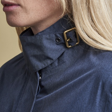 Chaqueta Cropped Impermeable Barbour imagen 3